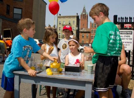 OTR neighborhood children's lemonade stand at the OTR 5K and Summer Celebration, photo via Nick Thomas at photo-cincy.com